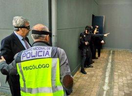 Policías locales de Cantabria entrenan tácticas y enfrentamiento armado