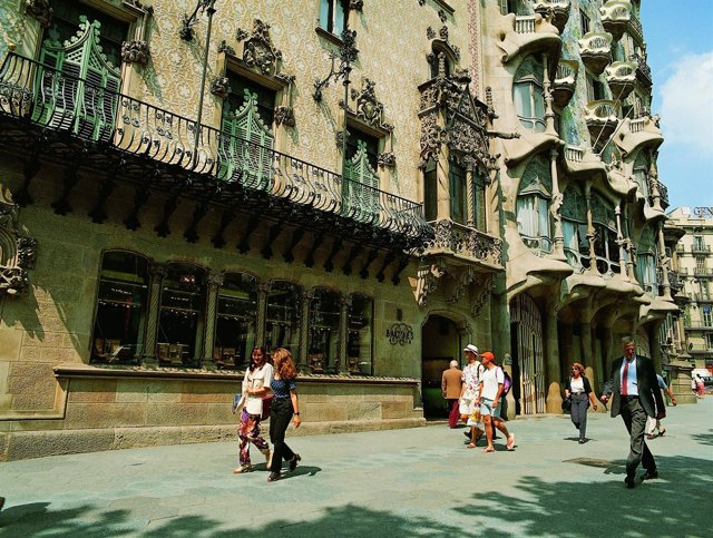 Casa Amatller Y Casa Batlló. Passeig De Gràcia De Barcelona.