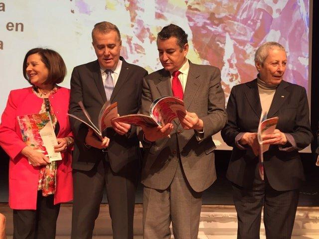 Sanz en al presentación de la Memoria Anual de Cruz Roja Andalucía