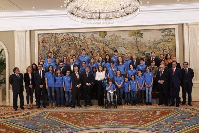 El Club Estudiantes, recibido por la Reina Letizia