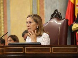 Ana Pastor llama al orden a un diputado del PP por usar una pregunta al Gobierno para atacar a la oposición