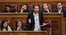 """Pablo Iglesias defiende las formas de los diputados de Podemos y denuncia la """"agresividad"""" del PP"""