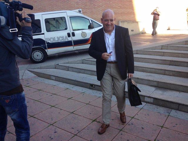 Alcalde de Armilla, Gerardo Sánchez, a su llegada a los Juzgados