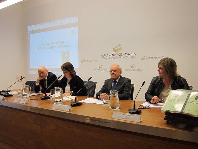 Presentación del diccionario en el Parlamento de Navarra