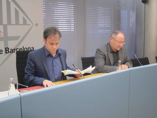 El Teniente De Alcalde Jaume Asens Y El Gerente Joan Llinares