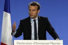 """Macron agradece el apoyo de Valls pero no contará con él mientras que Le Pen ve """"indecente"""" el gesto"""
