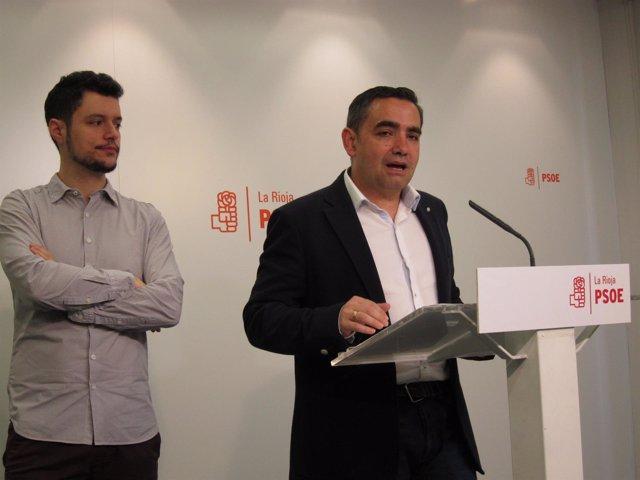 Diputados del PSOE en comparecencia de prensa