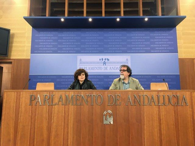 Esperanza Gómez y Jesús Romero en rueda de prensa