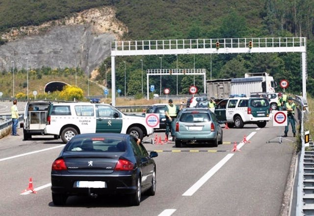 Control de la Guardia Civil en Asturias