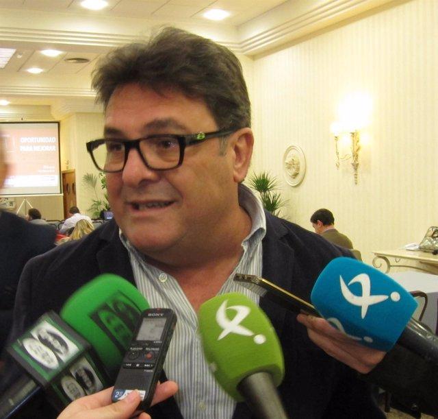 Secretario general de CCOO Extremadura, Julián Carretero
