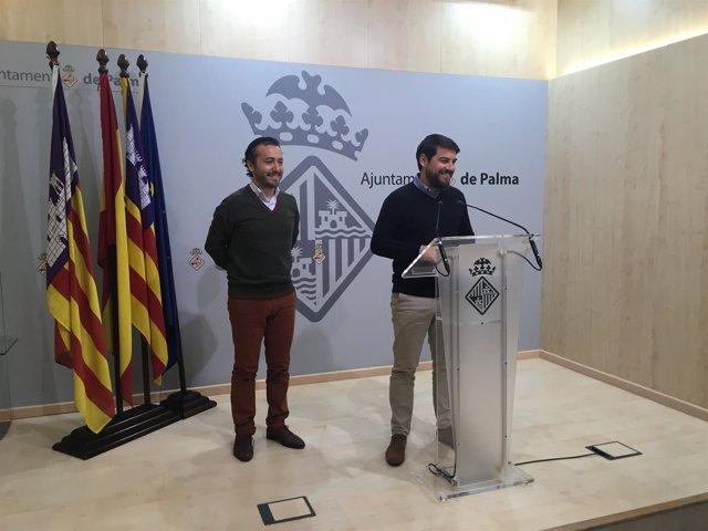 Los regidores del PP Fernando Rubio y Javier Bonet en rueda de prensa
