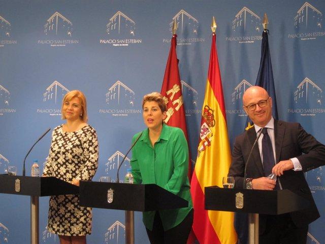 Noelia Arroyo en el centro de la imagen da cuenta acuerdos Consejo