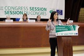 Darias reclama a Europa políticas globales para cerrar la crisis migratoria