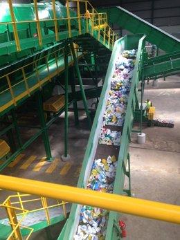 PLANTA DE reciclaje envasado residuos solidos basura recogida valsequillo