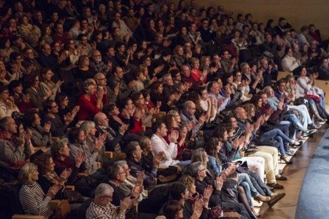 Público en una función del festival Temporada Alta