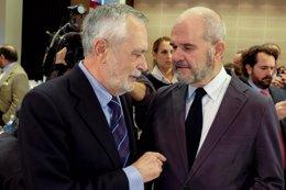 José Antonio Griñán y Manuel Chaves asisten a una conferencia de Felipe González