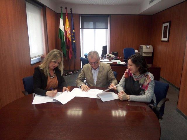 Convenio entre la Junta de Andalucía y el Ayuntamiento de San Juan del Puerto.