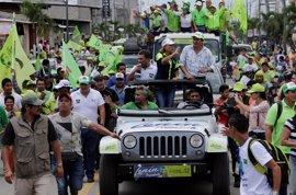 """La misión electoral de la OEA critica """"el tono agresivo"""" de la recta final de campaña en Ecuador"""