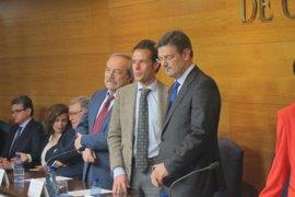 """Catalá pide un """"cambio de cultura"""" para que la mediación libere de carga a los juzgados"""