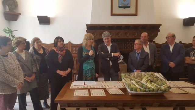 Ana Ollo y los alcaldes de Arguedas, Fernando Mendoza, y Hendaya, Kotte Ezenarro