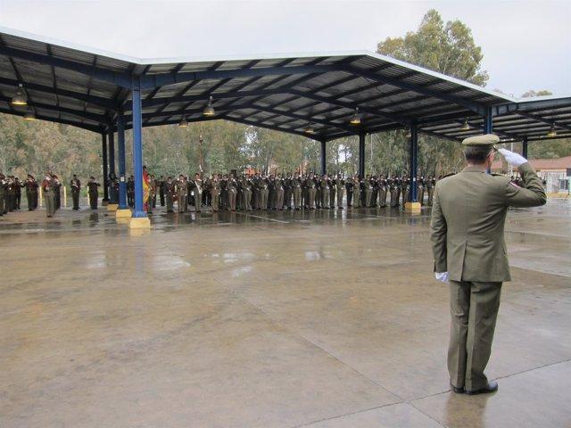 Militares en formación en la base de Cerro Muriano