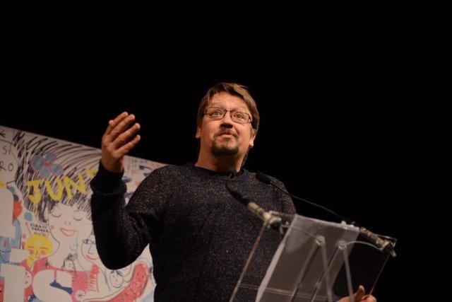 Xavier Domènech (EnComúPodem) en un acto en Manresa (Barcelona)