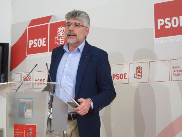 Valentín García en rueda de prensa