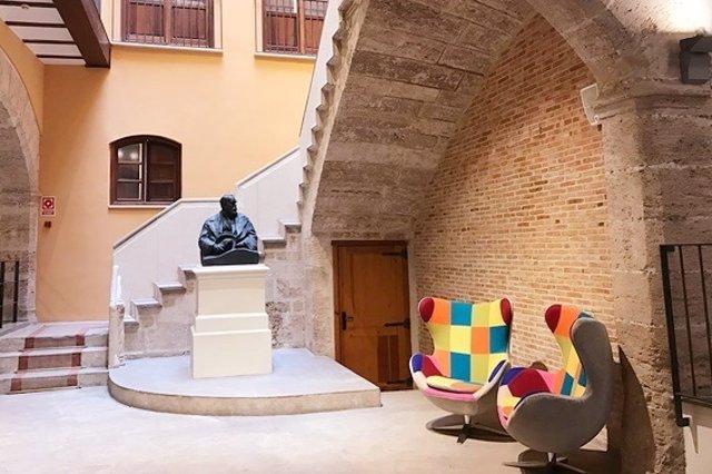 Interior Escuela Enforex antigua sede del Círculo Bellas Artes de València
