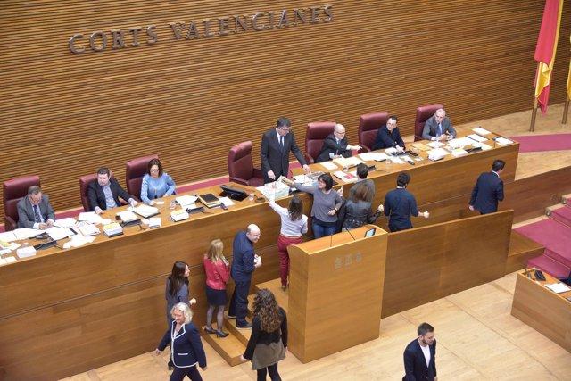 Votación en las Corts Valencianes