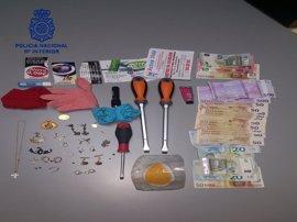 Sucesos.- A prisión tres mujeres por varios robos en viviendas de Sevilla mediante la técnica del 'resbalón'