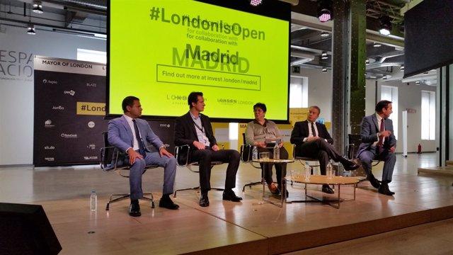 Rajesh Agrawal, a la izquierda, fomentando la inversión madrileña en Londres