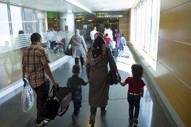 Llegan a España 21 refugiados sirios reasentados desde Turquía, que irán a Toledo, Sevilla y Valencia