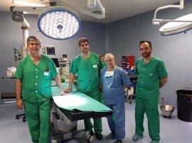 Hospitales de la capital incorporan una nueva técnica de cirugía del cáncer de esófago por laparoscopia