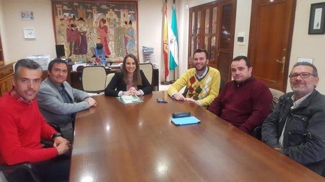 Ruiz con el equipo directivo y la AMPA