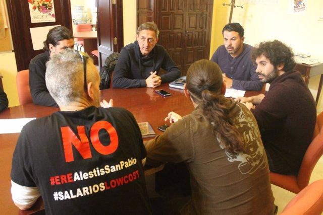 Moreno reunido con los trabajadores.