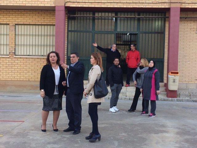 Visita del delegado de Educación al colegio Onuba de Huelva.