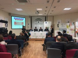 Unas 30 empresas se dan cita en una jornada para fomentar la cooperación entre jóvenes emprendedores de Huelva