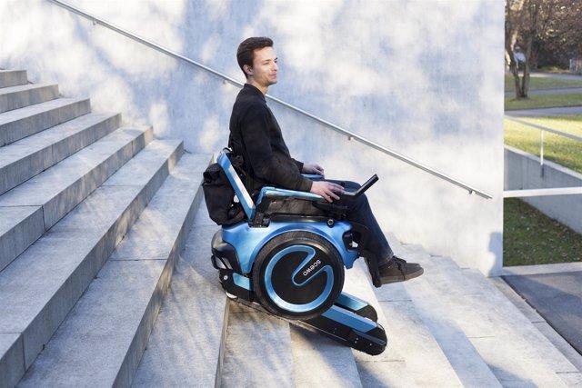 Esta futurista silla de ruedas es capaz de subir escaleras for Silla de ruedas para subir escaleras