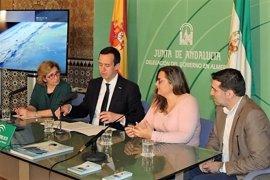 Más de 500 menores en Almería están acogidos por familias o en centros de protección de la Junta