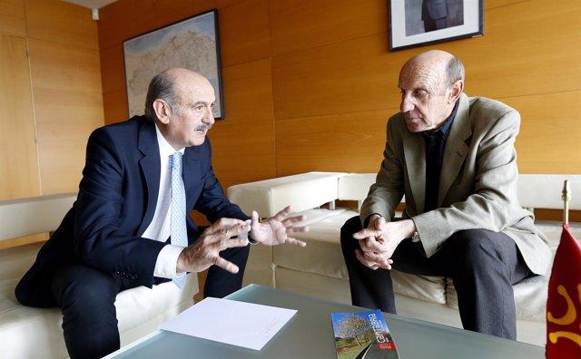Mazón se reúne con el alcalde de San Felices de Buelna