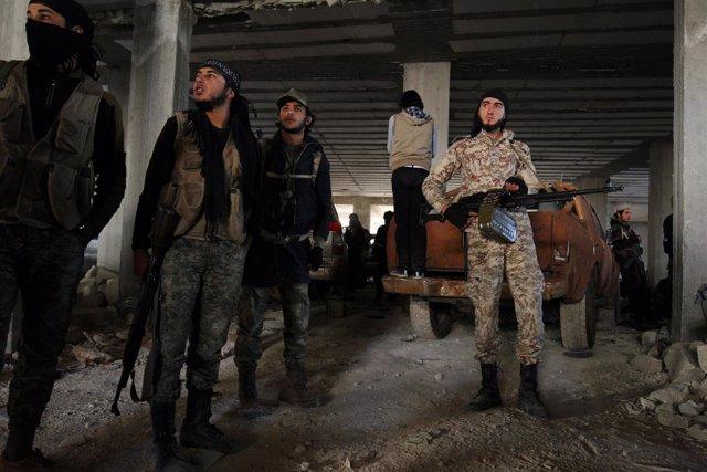 Combatientes rebeldes en Alepo