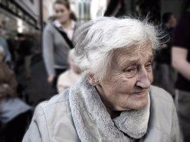 Tratar la demencia en etapas tempranas, clave para el éxito