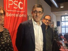 """Patxi López llama a """"integrar al que pierda"""" en las primarias del PSOE"""