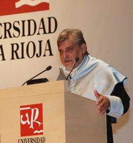Catedrático de Historia Moderna de la UR, José Luis Gómez Urdáñez
