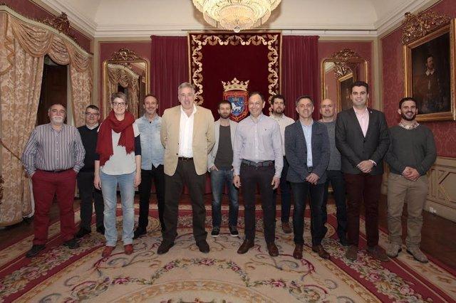 Los representantes municipales reunidos.