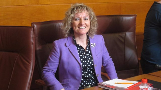 Eva Diaz  Tezanos comparece en la Comisión de Medio Ambiente del Parlamento