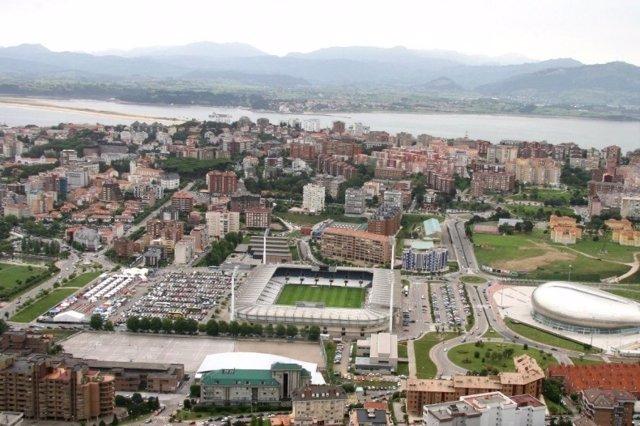 Vista aérea del estadio del Racing / Campos de Sport del Sardinero