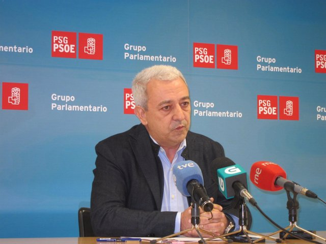 El viceportavoz parlamentario del PSdeG, Luis Álvarez