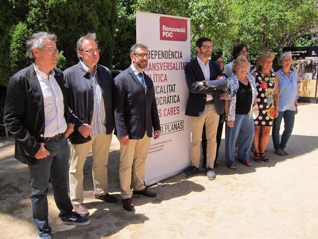 Ignasi Planas junto al resto de integrantes en la presentación de su candidatura