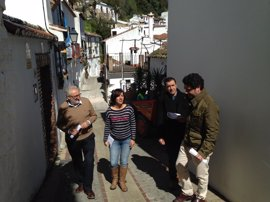 El Programa de Fomento de Empleo Agrario invierte más de un millón de euros en cinco municipios de Málaga